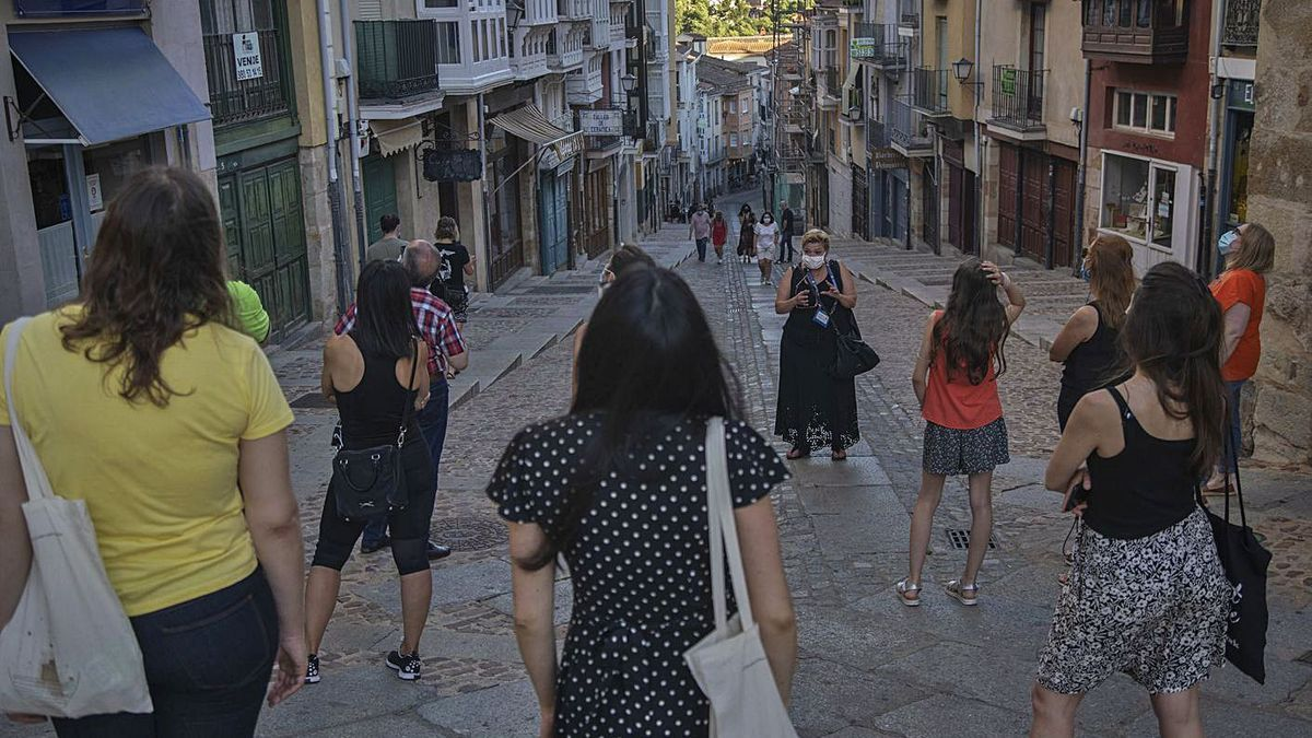 Visita guiada en Balborraz. | Jose Luis Fernández