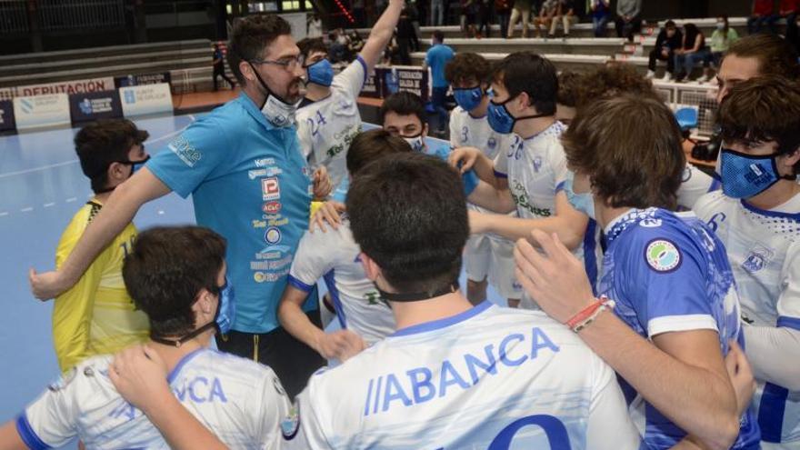El Cisne cumple su papel de favorito y se proclama campeón gallego