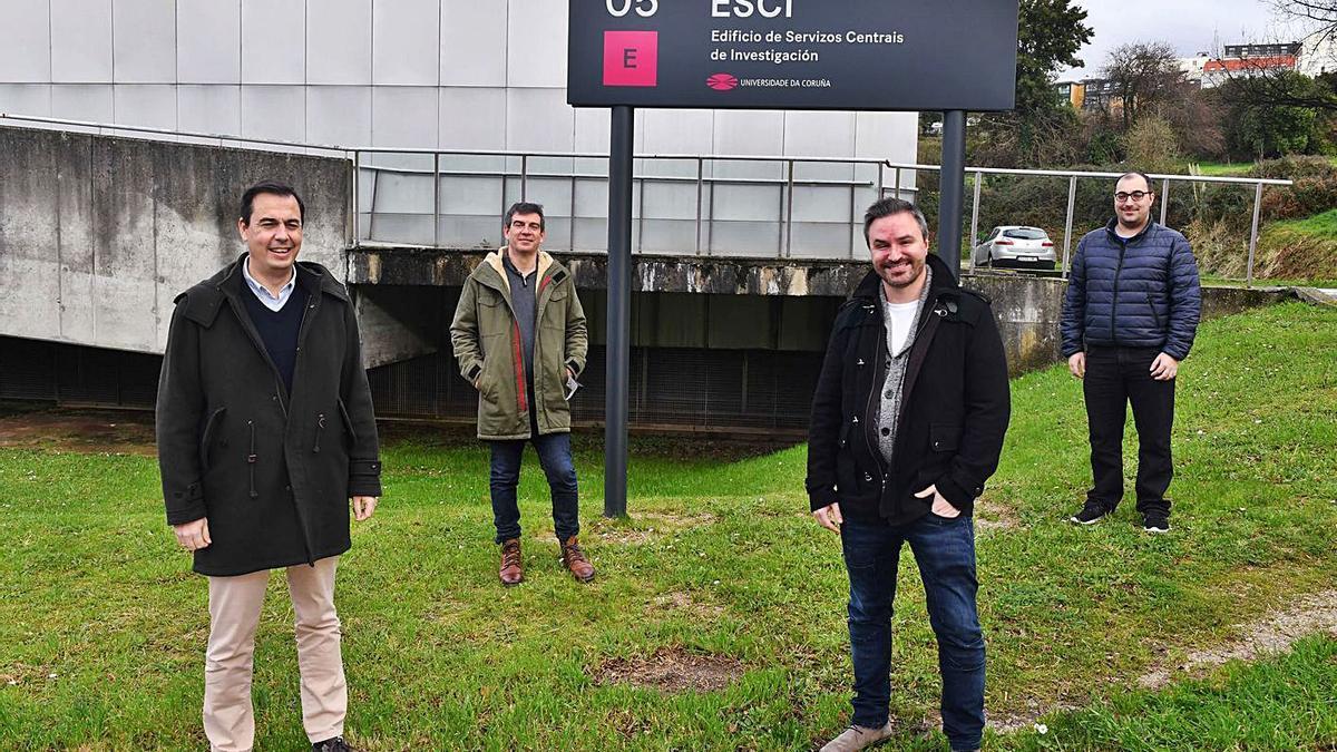 Manuel Pérez, Juan Jesús Romero, Adrián Carballal y Francisco Cedrón, cuatro de los miembros de la empresa Artificial Intelligence Indesta en el campus de Elviña.     // VÍCTOR ECHAVE
