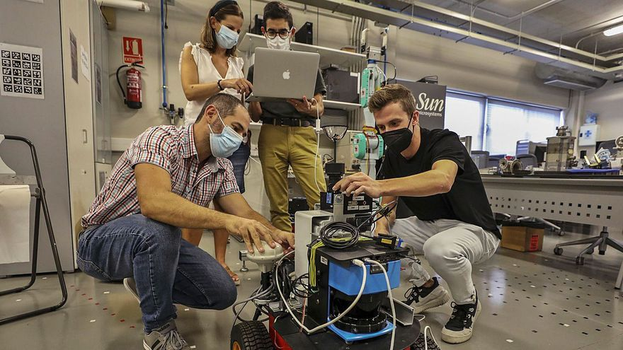 Robots que asisten a mayores, retiran basura, recogen fruta y levantan peso