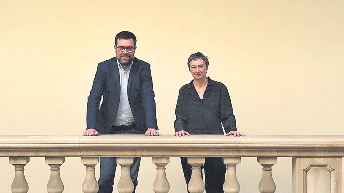 El concejal de Cultura Antoni Noguera y la directora general de Artes Visuales Aina Bauzà.