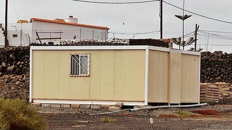 La Oliva quiere controlar los contenedores usados como viviendas en el municipio