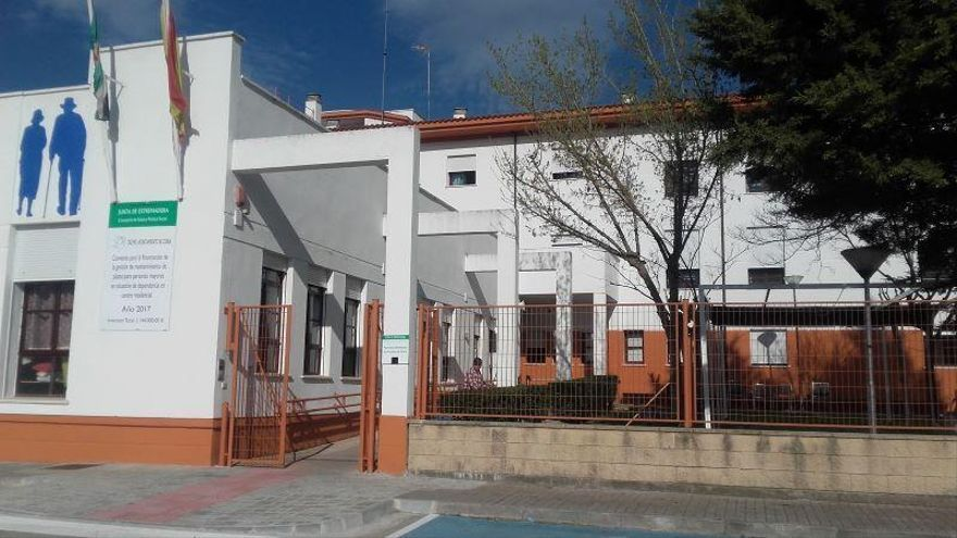 El alcalde de Coria critica el retraso en la ayuda a la residencia de ancianos