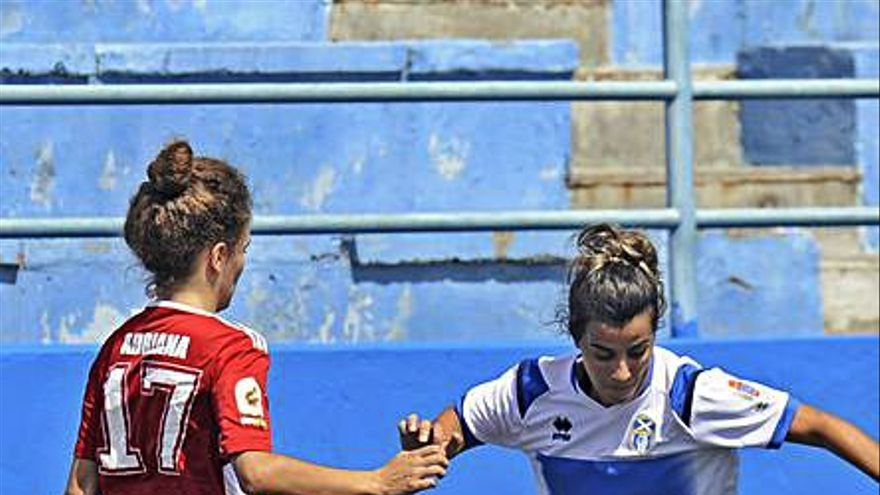 UDG Tenerife B y Tacuense quieren ganar un derbi  al que no podrán asistir aficionados