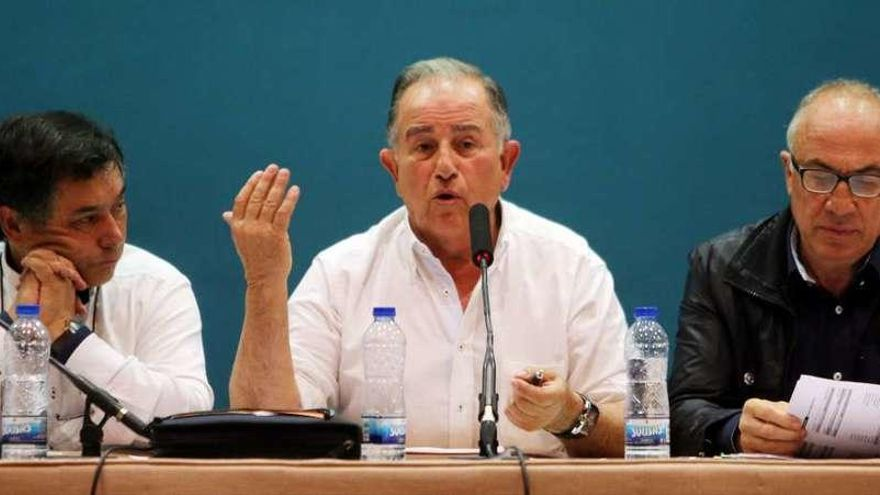El acuerdo con el Aero Club sale adelante con la participación del 20% de comuneros de Cabral