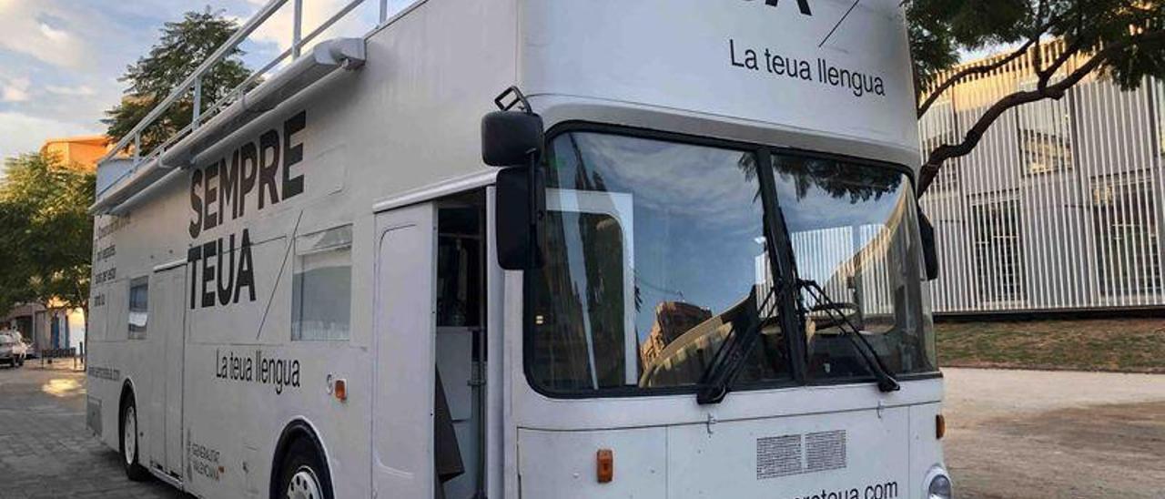 El Bus de la Llengua, a les comarques  de Castelló en 2019