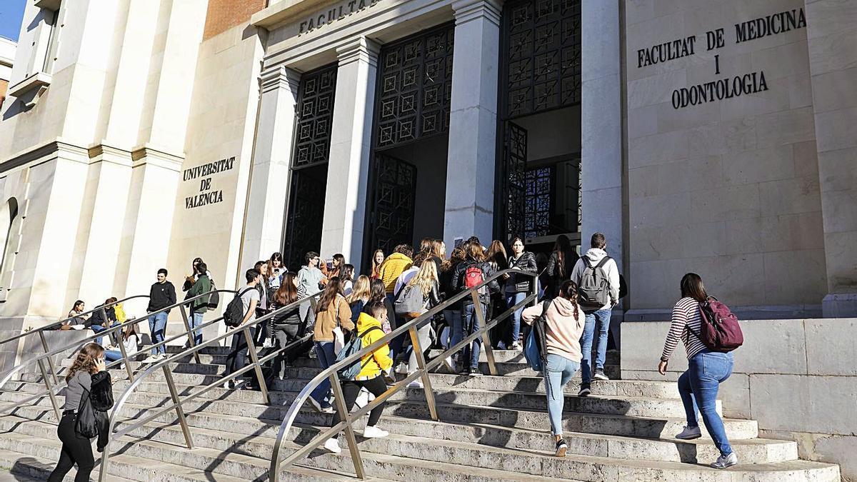 Jornada de puertas abiertas en la facultad de Medicina en febrero de 2020. | M. A. MONTESINOS