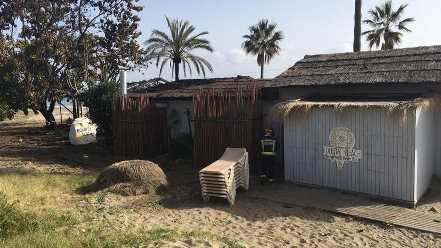 Arde el chiringuito Bounty Beach de Marbella