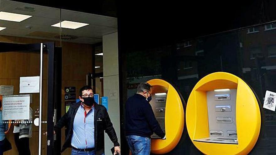 Els sindicats de CaixaBank s'oposen a l'ERO massiu