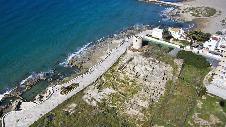 Nadar entre yacimientos romanos: Els Banys de la Reina de Calp