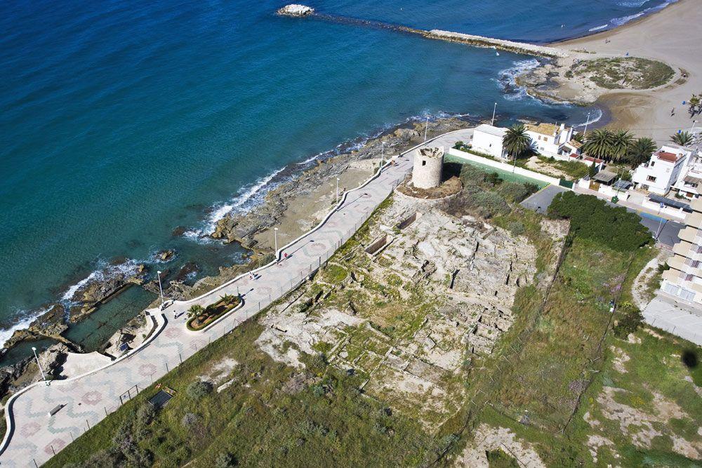 Nadar entre yacimientos romanos: els Banys de la Reina