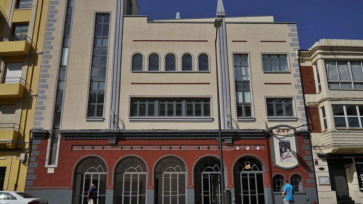 Antiguos cines Barrueco, hoy bloque de viviendas, al que alude la Carta de los lectores de este miércoles.