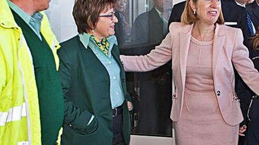 La exministra zamorana, Ana Pastor tiene la enfermedad y se encuentra aislada en casa