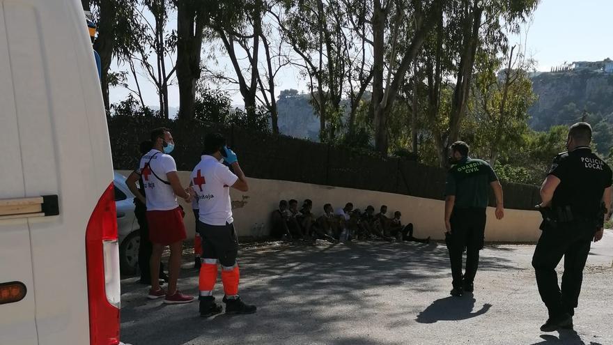 Llega una patera a la cala de Ambolo de Xàbia con 11 inmigrantes
