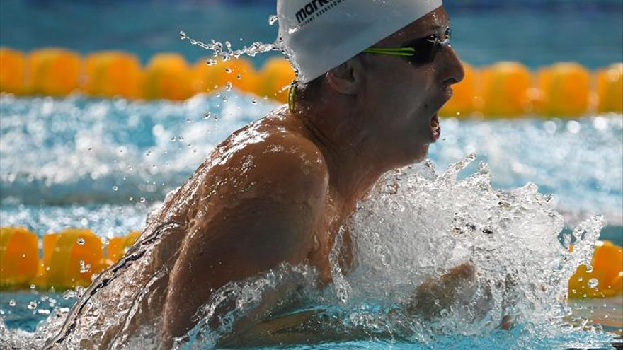 Joan Lluis Pons consigue el bronce en 400 metros estilos