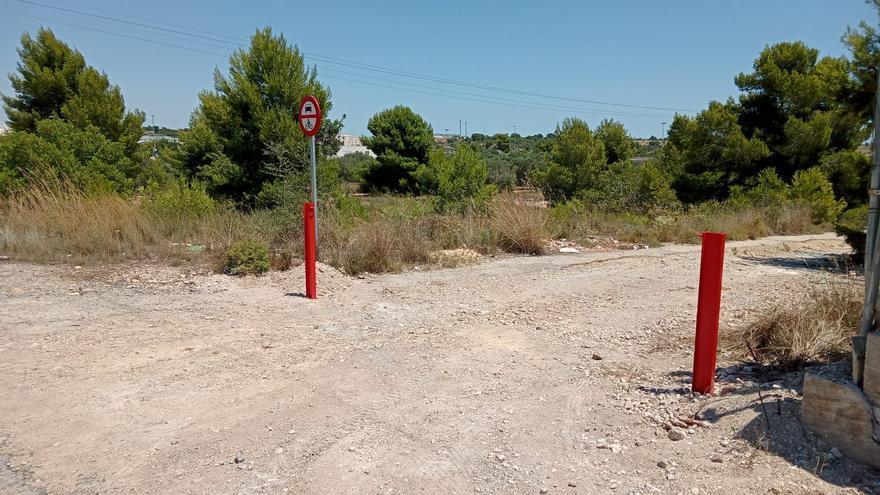Paterna cierra 55 caminos rurales para evitar vertidos ilegales
