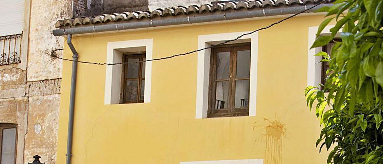 Una casa en venta en la calle Santa Teresa de Alzira. | PERALES IBORRA