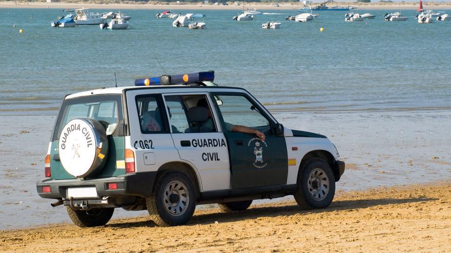 Una empleada del servicio de limpieza encuentra restos de un cadáver en la playa de Bolnuevo de Mazarrón