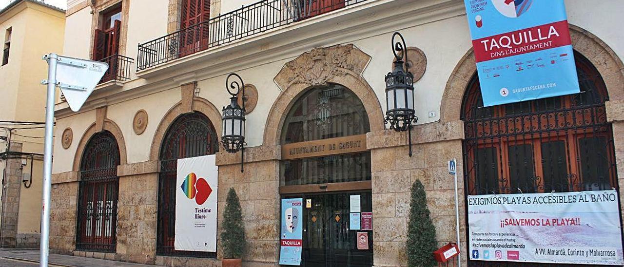 Fachada del Ayuntamiento de Sagunt.