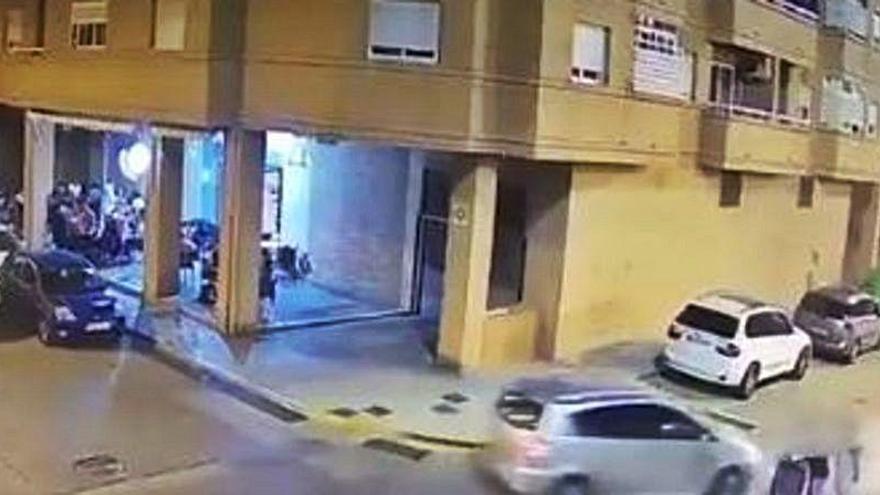 Golpea y deja inconsciente a un conductor que casi atropella a su bebé