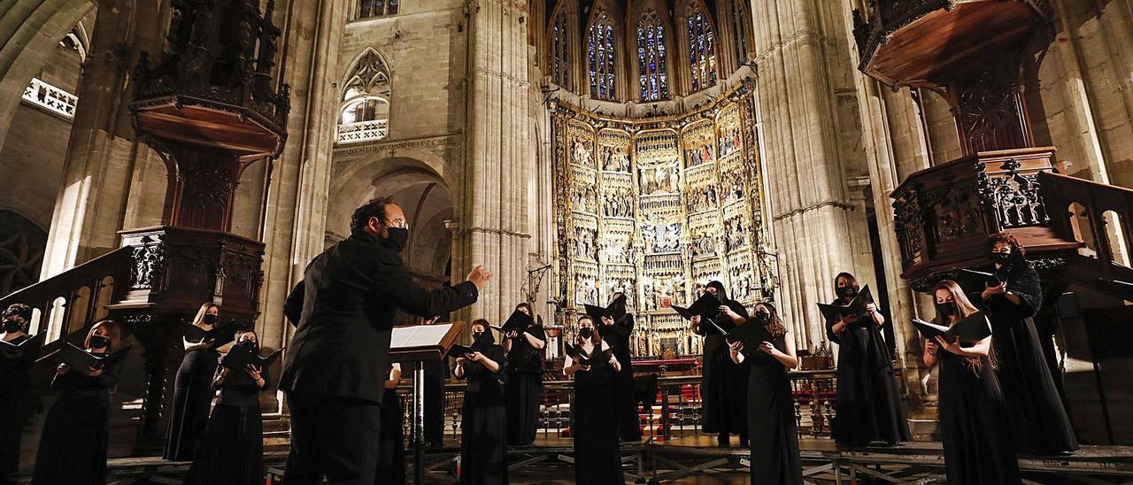 Un momento del concierto, bajo la dirección de Marco Antonio García de Paz.   Luisma Murias