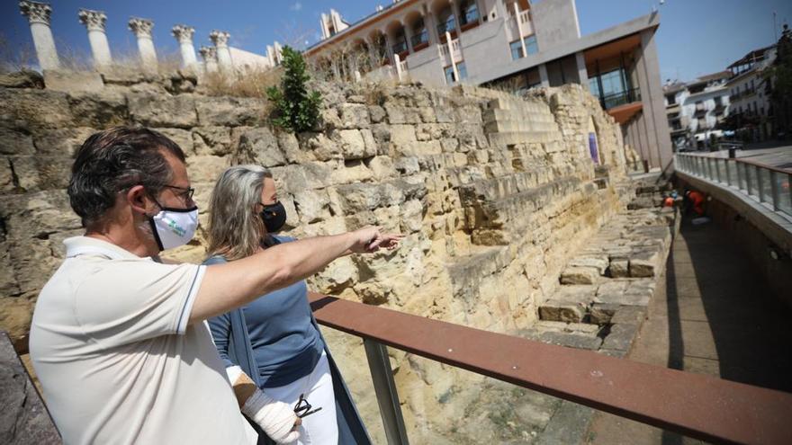 El Ayuntamiento comienza una nueva limpieza del Templo Romano para frenar su deterioro