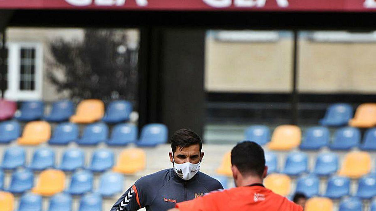 Ramos en uno de los entrenos del Pontevedra.