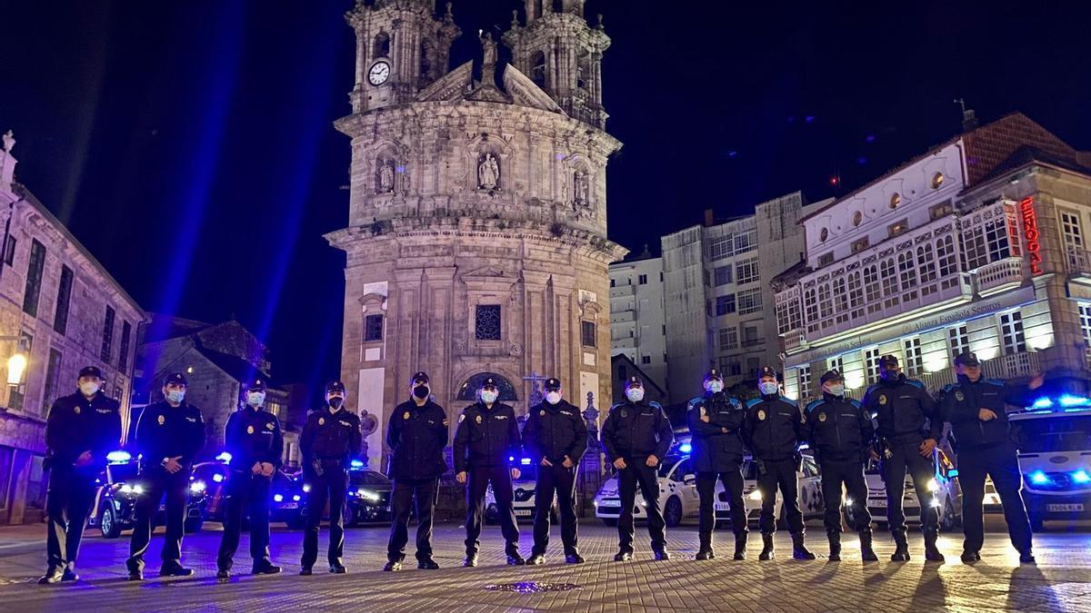 Policías nacionales, locales y autonómicos que prestaron servicio en la Nochebuena pasada en Pontevedra.