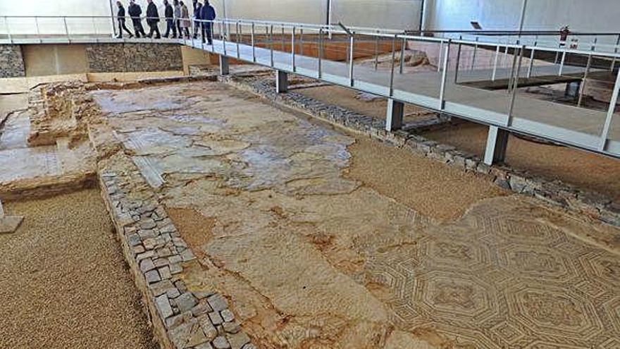 El PSOE pide que se amplíen los horarios de la villa romana de Camarzana de Tera