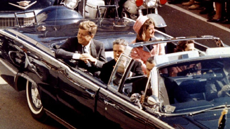 Trump aprueba publicar documentos secretos sobre Kennedy, pero con reservas