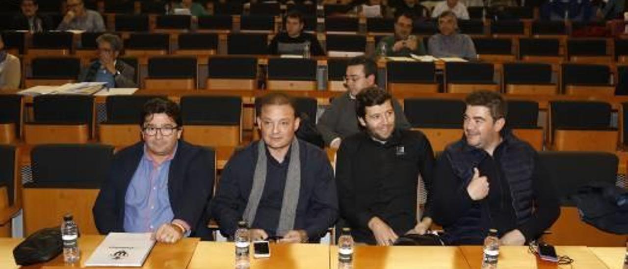 José Miguel Garrido y Ángel Dealbert, en una junta del Castellón.