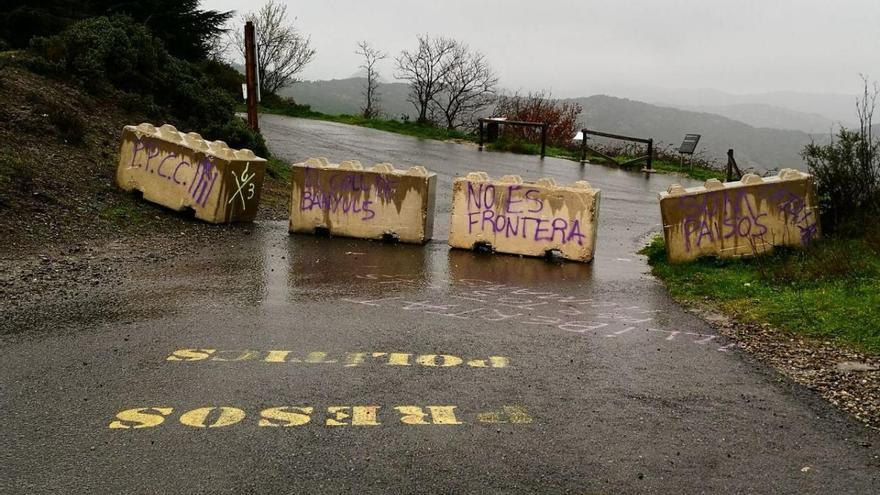 Els pobles afectats pel tancament dels passos fronterers anuncien protestes