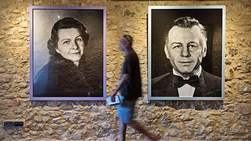 """La mostra de retrats de """"la Caixa"""" arriba a Platja d'Aro amb noves fotos"""