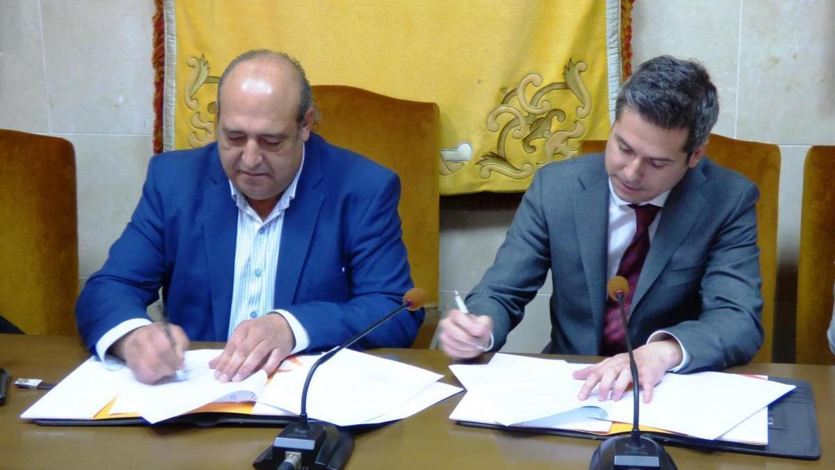 El parque fotovoltaico de Talayuela empleará  a 100 trabajadores de la zona