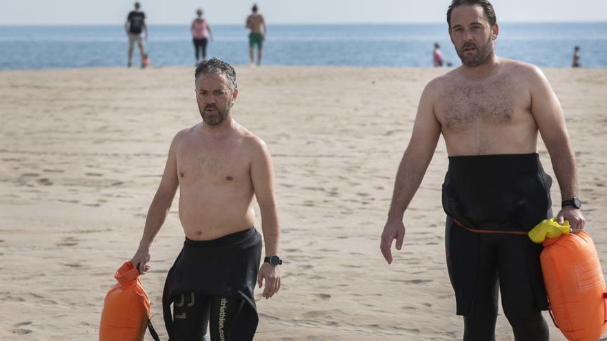 Las playas reciben a los primeros bañistas