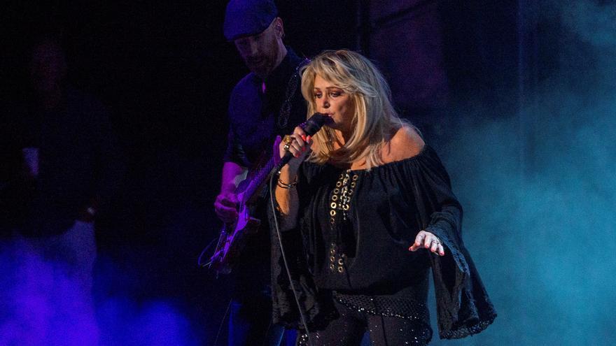 La voz y el carisma de Bonnie Tyler brillan en Marbella