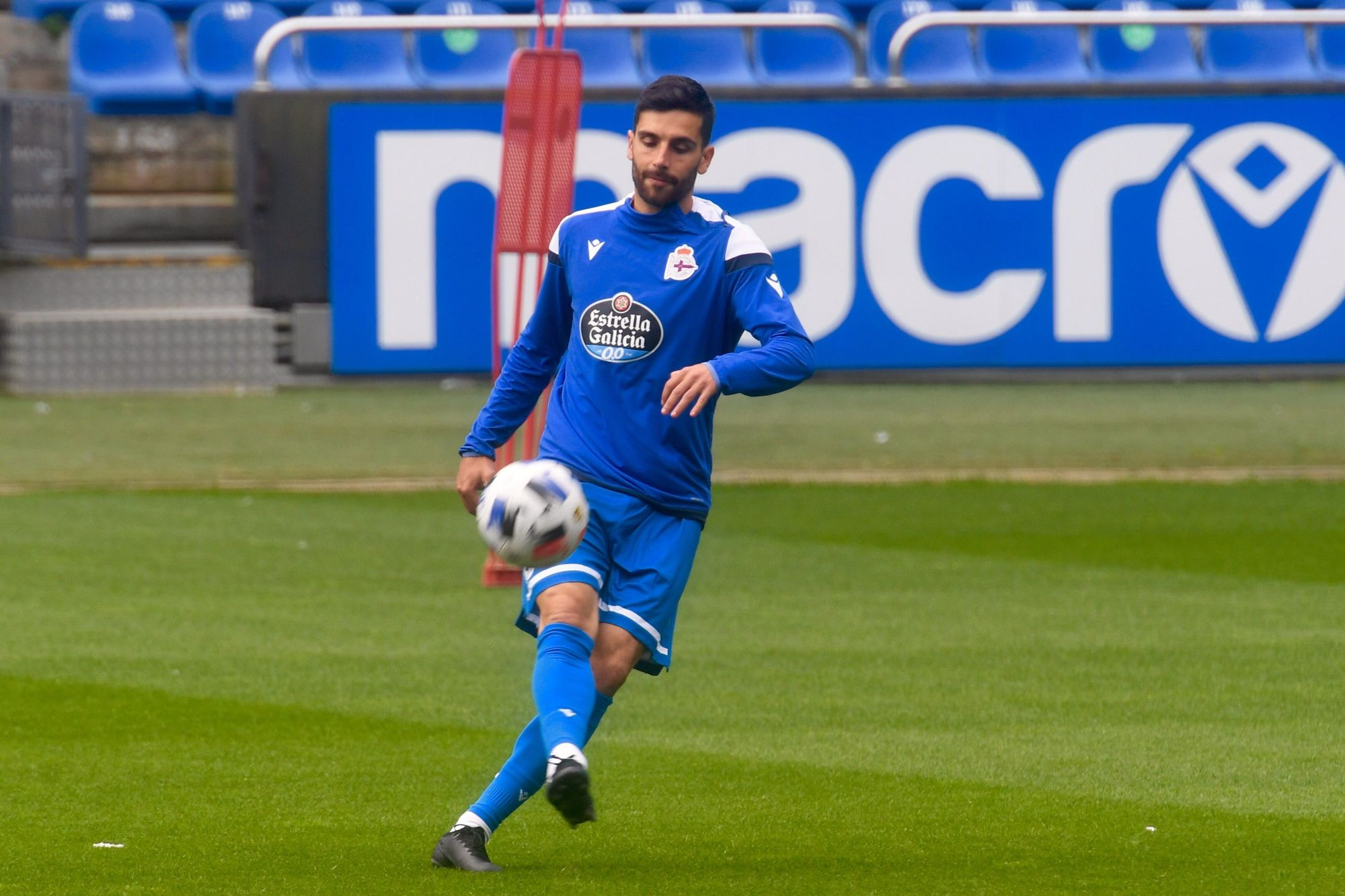 El Dépor prepara en Riazor el partido frente al Numancia en Soria