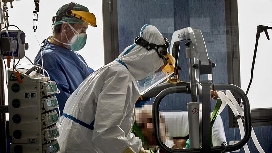 Las UCI de los hospitales de Elche y Elda se colapsan por el aumento de enfermos covid