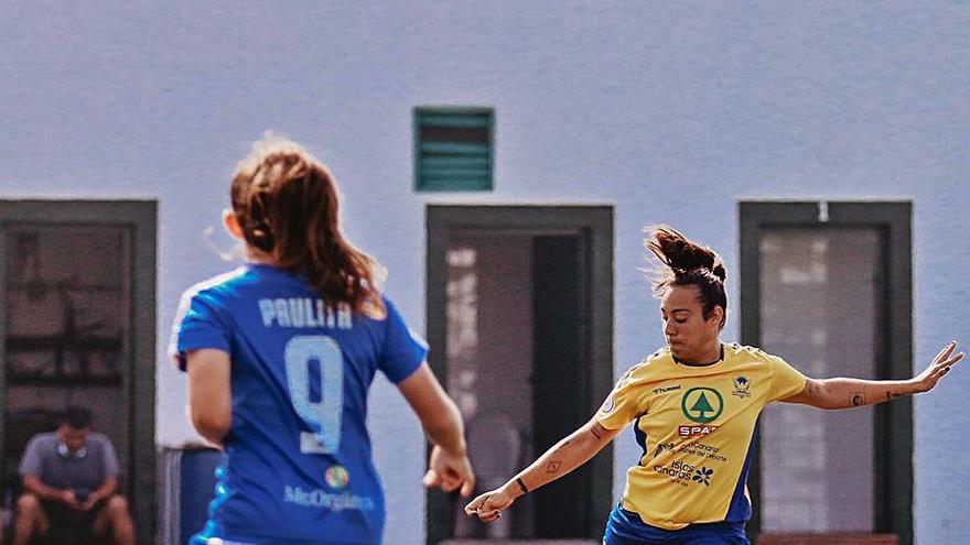 El Femarguín cede en un   festival de goles