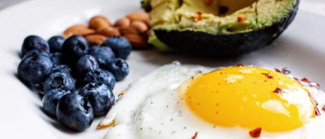 Las 5 mejores dietas para perder peso y no engordar después, según los nutricionistas
