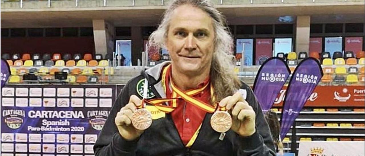Thomas Wandschneider con las dos medallas de bronce. | JAVIER ALCÁZAR