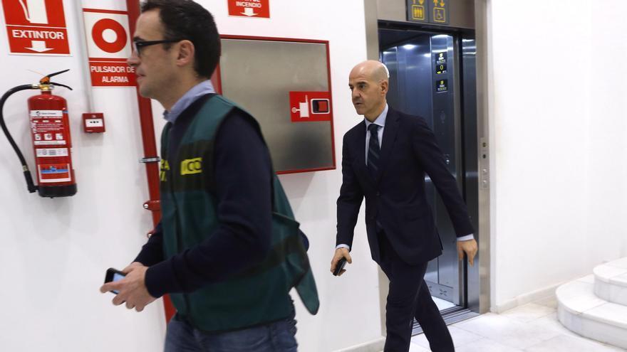 El fiscal Anticorrupción Pablo Ponce durante uno de los registros del caso Taula, en enero de 2016