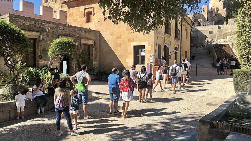 El Castell de Xàtiva recibe 1.100 visitas en el Día Mundial del Turismo