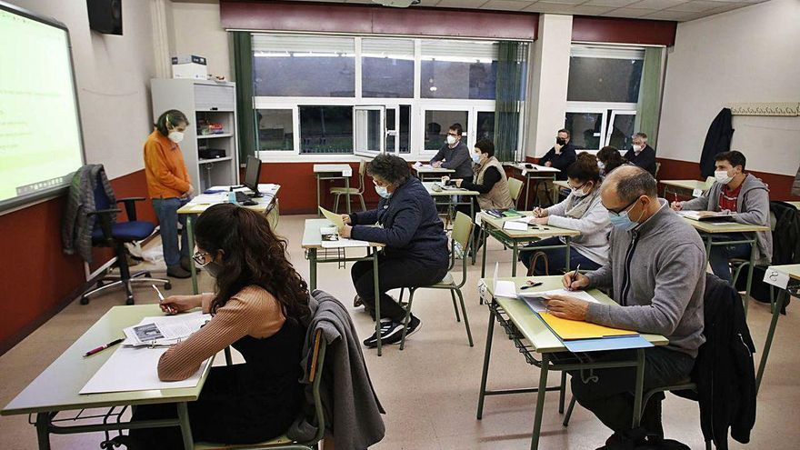 La Escuela de Idiomas estrena cursos para que los profesores perfeccionen las lenguas
