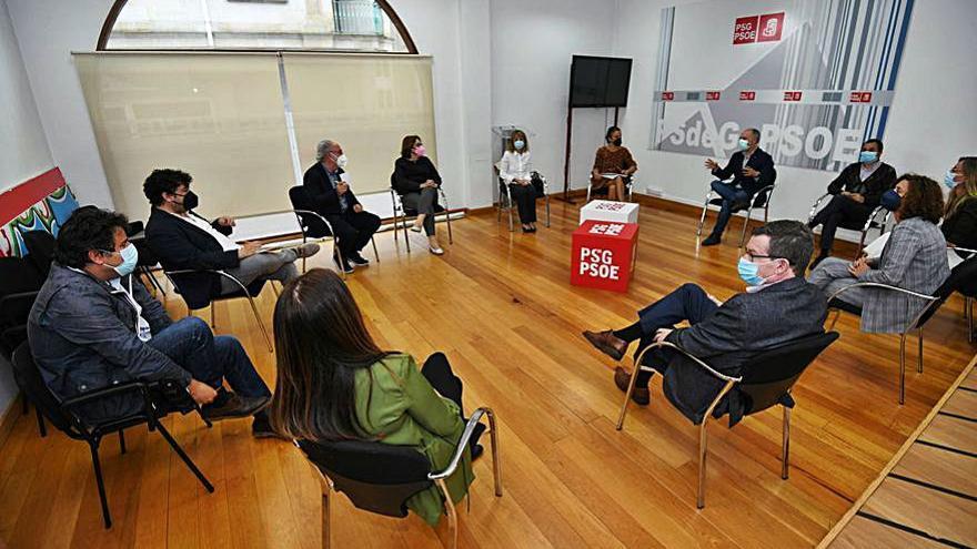 El comité provincial del PSOE provincial define su estrategia ante los congresos del partido