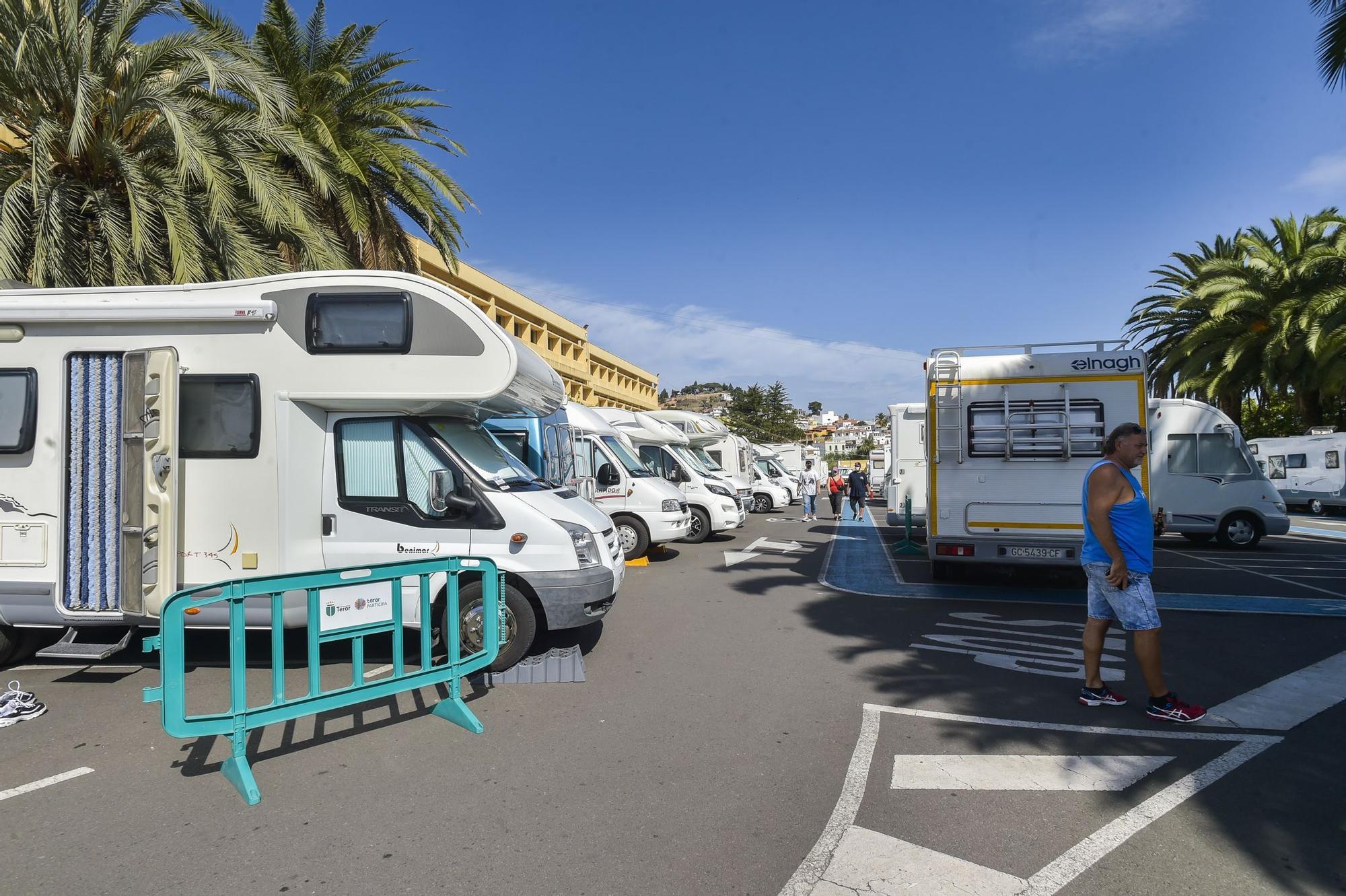 Encuentro de caravanas en Teror