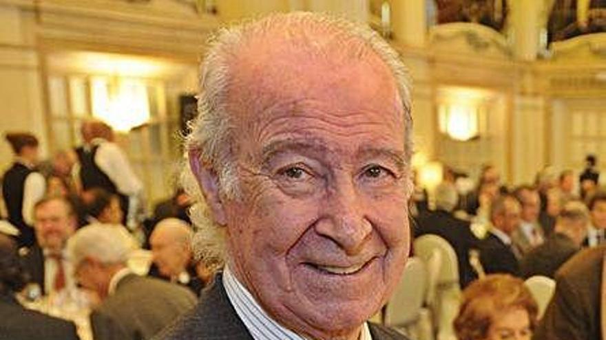 La Cámara de Comercio concede su Medalla de Oro a su expresidente Quiroga y Pyñeiro