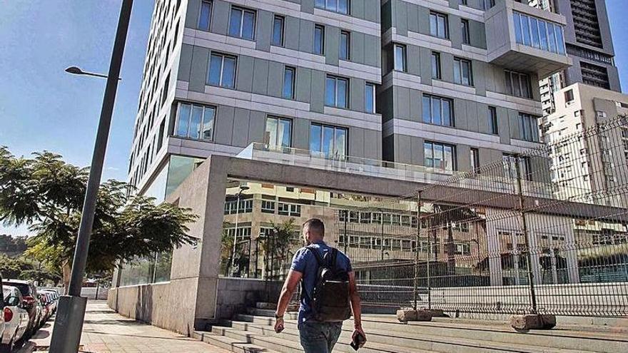 El Gobierno de Canarias propone a Santa Cruz de Tenerife comprarle el edificio de Cabo Llanos