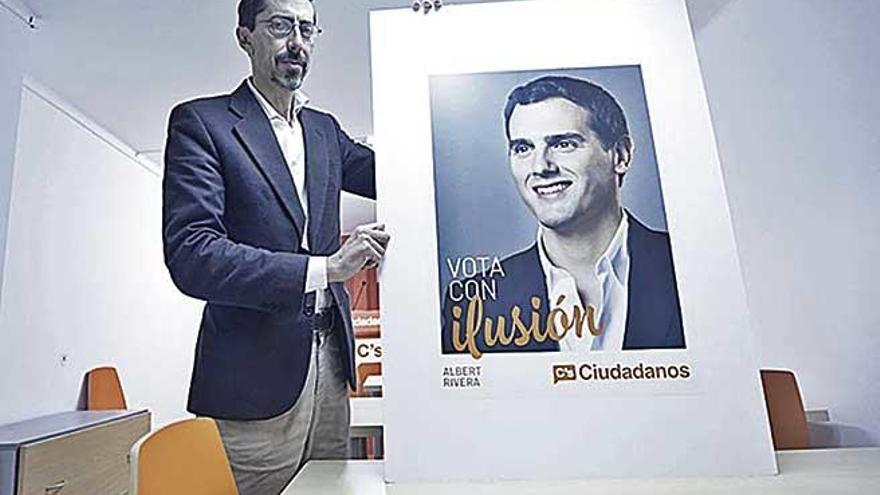 Prohíben a Fernando Navarro la entrada a una asamblea de Ciudadanos