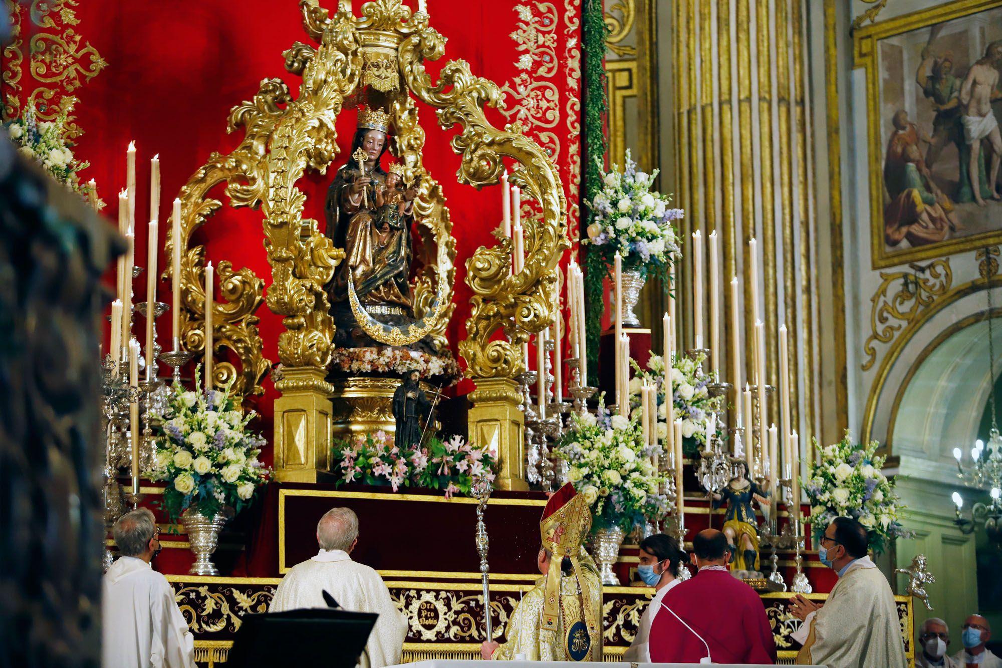 Las imágenes de la misa de la Virgen de la Victoria en la Catedral de Málaga.